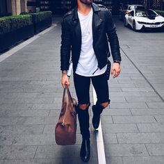Yes or No? Via @streetfitsgallery Follow @mensfashion_guide for more! By @chezrust #mensfashion_guide #mensguides
