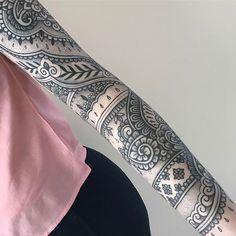 WEBSTA @ jackpeppiette - Healed 3 months or so on Karin, next arm soon! #btattooing #blacktattoo #blackworkers #tttism #uktta #tattoolife #totaltattoo #tattoosuppliesuk #tattoodo #patternworkers #ornamentaltattoo #mehndi #henna #hennatattoo #insidetattoo #inked #blackclaw @insidertattoo