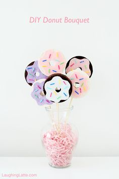 DIY Donut Bouquet is our current table centerpiece! An easy craft perfect for National Donut Day, a brunch party or a just a table centerpiece! Donut Party, Donut Birthday Parties, Birthday Party Themes, Birthday Ideas, Themed Parties, 10th Birthday, Party Mottos, Diy Donuts, Doughnuts