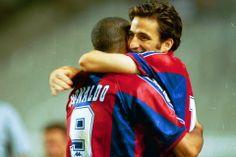 Pizzi abraza a Ronaldo