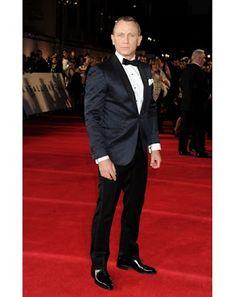 Daniel Craig, always looking great in his signature tuxedo!
