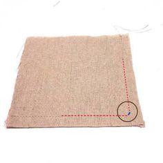 今回は「角の縫い方」のテクニックを紹介したいと思います。 布同士を縫い合わせてひっくり返すときに、角がうまく返…