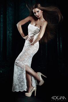 Modeling und Fashion | Vladimir Kocian Fotograf Models, Fasion, Strapless Dress, Formal Dresses, Vorlage, Role Models, Strapless Gown, Formal Gowns, Modeling