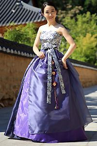 손짱 디자인한복-퓨전한복/한복드레스 전문. 전세계로 소개하고픈 아름다운 우리 옷 Korean Hanbok, Korean Dress, Korean Outfits, Korean Traditional Dress, Traditional Fashion, Traditional Dresses, Korea Fashion, Asian Fashion, Folk Costume