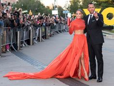 Jennifer Lopez and Alex Rodriguez Turned the CFDA Awards Into a Seriously Stylish Date Night Sparkly Crop Tops, Sweatpants Style, Cfda Awards, Alex Rodriguez, Versace Dress, Lifestyle Trends, Full Skirts, Two Piece Dress, Jennifer Lopez