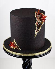 Black Wedding Cakes, Party Cakes, Cake Decorating, Pearls, Diamonds, Design, Stylish, Fashion, Shower Cakes