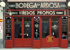 """See 583 photos and 298 tips from 3726 visitors to Bodega La Ardosa. """"Really delicious tortilla de patatas. And Czech beer in Madrid! Bar is very. Tapas Restaurant, Tapas Bar, Restaurant Concept, Keep Calm And Relax, Madrid Restaurants, Love Cafe, Housing Works, Spain And Portugal, Temples"""