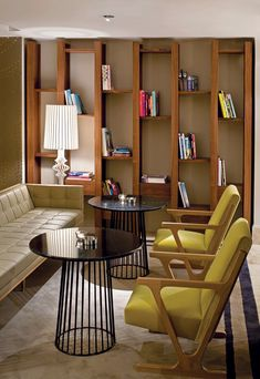 Those built-in shelves. Absolutely love this Mid Century Modern living room. The furniture is amazing