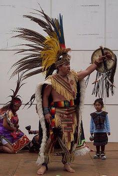 AMAUTACUNA DE HISTORIA: FOTOS DE DANZANTES AZTECAS