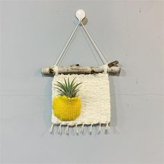 Hanging Crochet Pod for Your Plants in Balcony - Unique Balcony & Garden Decoration and Easy DIY Ideas Tapestry Weaving, Loom Weaving, Weaving Projects, Diy Projects, Crochet Bowl, Crochet Wall Hangings, Crochet Home Decor, Decorative Storage, Crochet Flowers