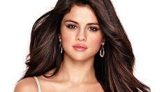 Selena Gomez goes braless as she puts nipples on display (See Photos)