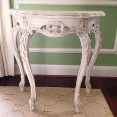 Painted #vintage decorative table - #AnnieSloan chalk paint #linentiger