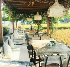 Rice Field Views and Yummy food Bali Garden, Garden Cafe, Nook Cafe, Cafe Seating, Bamboo House, Coffee Design, Pool Houses, Open Concept, Country