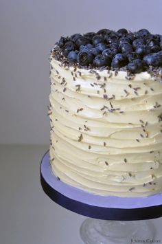 Recipe: Blueberry, Lavender and White Chocolate Cake. I'm not a fan of white chocolate. but I would LOVE blueberries on my cake. Cake Decorating Supplies, Cake Decorating Tutorials, Baking Supplies, Decorating Ideas, Sweet Recipes, Cake Recipes, Dessert Recipes, Frosting Recipes, Just Desserts
