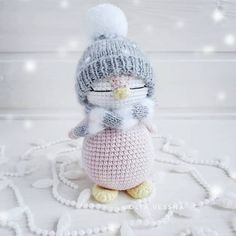 Mini Crochet Toys Amigurumi Christmas Felting Crochet Patterns Art Crafts Yarns Do Crafts Crochet Penguin, Crochet Bunny Pattern, Crochet Snowman, Crochet Animal Patterns, Crochet Patterns Amigurumi, Cute Crochet, Amigurumi Doll, Crochet Dolls, Crochet Mignon