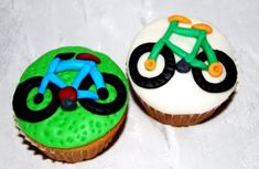 I am considering making these for Little Man's last day of school.  He won the essay contest and a new bike!!!  Shhh!!! it's a surprise.