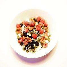 #aamupala #marjojapakkasesta Joko, Acai Bowl, Cereal, Breakfast, Acai Berry Bowl, Breakfast Cafe