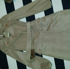 BCBGENERATION coat True to size XS. It's more of a fall spring coat. Great Pre-owned condition. BCBGeneration Jackets & Coats Trench Coats