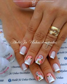 Pin by mimi on nails in 2019 Em Nails, Cute Nails, Pretty Nails, French Polish, Flower Nails, Nail Arts, Manicure And Pedicure, Nails Inspiration, Acrylic Nails