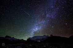 The Milky Way rises over El Pan de Azúcar by Chibcha, via Flickr