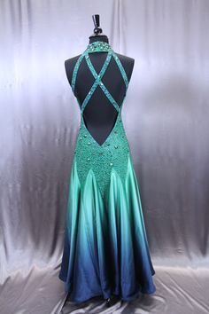 Shop ballroom dancing gowns by Julia Gorchakova, Natalia Gorchakova and their team. Custom costumes and jewelry for women and menswear in smooth, latin. Blue Dresses, Formal Dresses, Queen Costume, Ballroom Dance Dresses, Luxury Dress, Costumes For Women, Costume Design, Dance Wear, Green Dress