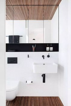 Che ne dici del bagno in foto? Io lo adoro. Pulito, ordinato e senza tanti fronzoli. Se ti piace questo stile (è un bagno moderno) leggi l'articolo del mio blog. All'interno trovi gli step per realizzare un bagno moderno da fare invidia! #bagno #arredamento #interiordesign #casa #salledebain #bathroom
