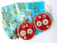 Red floral handpainted earrings, white daisies earrings, romantic summer earrings - pinned by pin4etsy.com