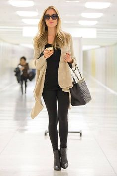 Kristin Cavallari's comfy, airport look is a great everyday look for fall! // Elle.com - #FallFashion #AirportStyle