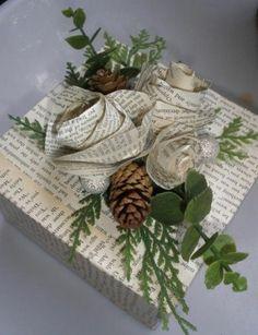 geschenkverpackung verpackung basteln mit zapfen und zweige rosen aus papier
