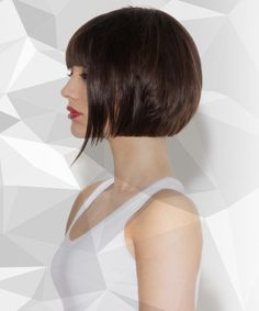 Jazz Fosker's bob with undercut video tutorial features pointers on flat graduation, vertical sectioning, over-direction to maintain length and weight and disconnection. Shaggy Bob Haircut, Asymmetrical Bob Haircuts, Blunt Bob Hairstyles, Haircuts With Bangs, Medium Hair Styles, Short Hair Styles, Great Hair, Hair Dos, Short Hair Cuts
