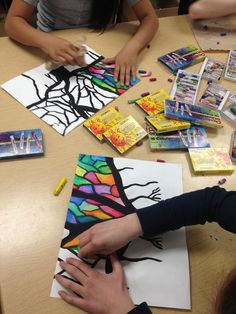Good idea for art time with Fiona ... ARTipelago: Beautiful Banyan Trees!