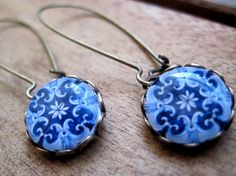 Portuguese jewelry, Portuguese tile, Azulejos, Mediterranean cabochon, dangle, Antique oxidized brass kidney wires, majolica long earrings. $27.00, via Etsy.