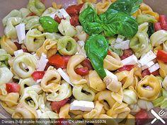 Tortellini - Salat mit Schafskäse und Tomaten