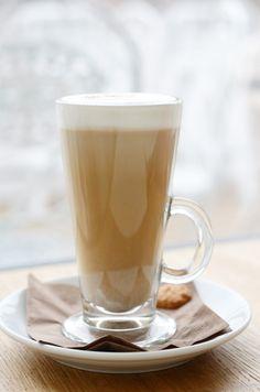 Kawa nie musi być bombą kaloryczną! Jak ją odchudzić?
