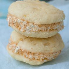 Looking for Fast & Easy Dessert Recipes! Recipechart has over free recipes for you to browse. Find more recipes like Pineapple Whoopie Pies with Coconut Cream Filling. Cookie Pie, Cookie Desserts, Just Desserts, Delicious Desserts, Mini Desserts, Plated Desserts, Yummy Food, Almond Recipes, Pie Recipes