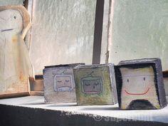 kleine holzbilder - können stehen oder an der wand hängen Bunt, Home Decor, Atelier, Bricolage, Sticker, Rustic, Nice Asses, Decoration Home, Room Decor