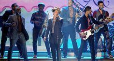 Segment 3: Calendar Girls Bruno Mars – Locked Out Of Heaven