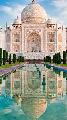 O Taj Mahal é uma das mais belas 7 maravilhas do mundo. Situado junto à antiga… - Tap the link to see the newly released survival and traveling gear for all types of travelers!