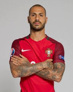 qualify was the MVP with 2 assits 61 caps with 8 goals Football Is Life, World Football, Football Match, Sport Football, Football Soccer, Portugal Football Team, Portugal Soccer, Portugal Fc