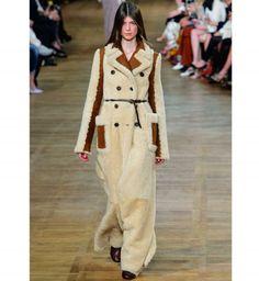 Choisir son manteau : le manteau en peau lainée retournée