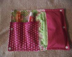 Kit higiene bucal Sewing Tutorials, Sewing Crafts, Sewing Projects, Purse Patterns, Sewing Patterns, Mochila Tutorial, Diy Pouch Bag, Baby Staff, Leather Clutch Bags