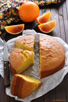 Pan d'arancia o torta di arance frullate soffice e profumata Thanksgiving Recipes, Holiday Recipes, Italian Recipes, Vegan Recipes, Italian Cake, Sweet Cakes, Something Sweet, Cornbread, Cake Recipes