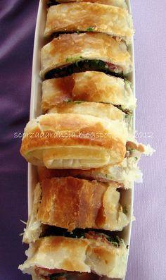 rotolo di pasta sfoglia con prosciutto, bietoline ed emmenthal