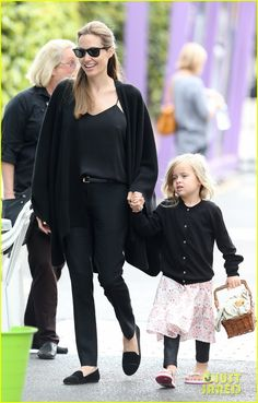 Angelina Jolie: Arts & Crafts Afternoon with Shiloh & Vivienne! | Angelina Jolie, Brad Pitt, Celebrity Babies, Shiloh Jolie Pitt, Vivienne Jolie-Pitt Photos | Just Jared