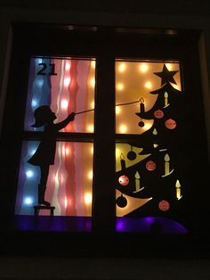 All Details You Need to Know About Home Decoration - Modern Christmas Window Display Home, Winter Window Display, Christmas Window Decorations, Christmas Makes, 12 Days Of Christmas, Christmas Diy, Window Art, Window Ideas, Christmas Crafts
