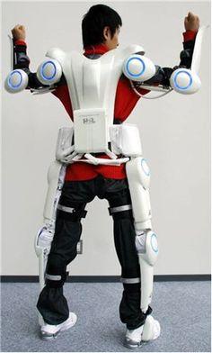 """Primer robot de tipo cyborg del mundo - Cyberdyne Hal exoesqueleto robótico para ayudar a personas con condiciones paralíticas.  Esto es lo que llamamos un """" sistema de control voluntario """" que proporciona un movimiento interpretar la intención del usuario de las bioseñales en avance del movimiento real , dijo la compañía en un comunicado . """" HAL es el primer robot de tipo cyborg del mundo controlado por este sistema híbrido único . """""""