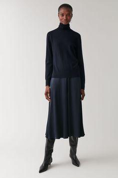 SILKY WIDE-LEG CULOTTES - Midnight Blue - Occasion - COS NL Winter Sale, Midnight Blue, Wardrobe Staples, Wide Leg, Women Wear, Normcore, High Neck Dress, Man Shop, Legs