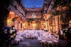 Summer haze Wedding at the beautiful Tuscan Castello di Vincigliata for our lovley couple A&JP . Production #GuidiLenci Flowers #Stiattifiori Photos #IuriNiccolai