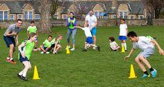 Kindergeburtstag Fußball: Spiele für draußen