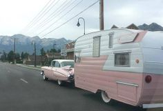 Pretty Pink Pair 1959 Cadillac Sixty with Shasta Trailer Vintage Campers Trailers, Retro Campers, Vintage Caravans, Camper Trailers, Retro Caravan, Caravan Ideas, Camper Ideas, Tiny Trailers, Gypsy Caravan